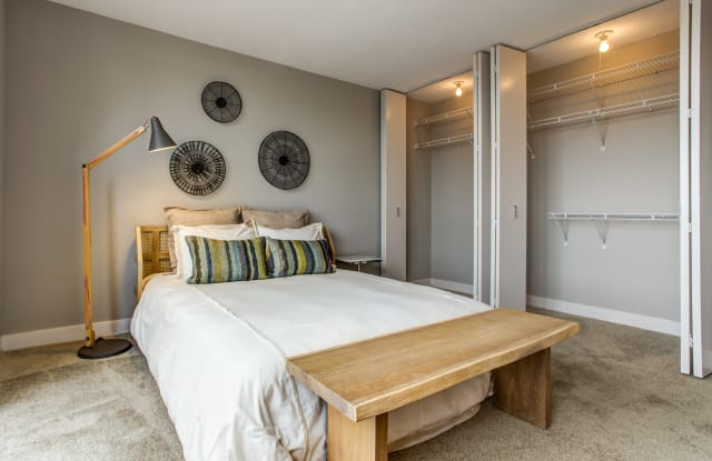 Super 100 Best Apartments In Chicago Il With Pictures Download Free Architecture Designs Terchretrmadebymaigaardcom