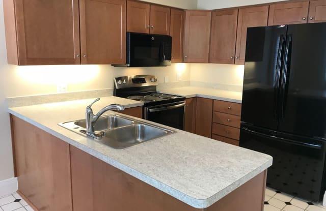 Columbia Square Apartments - 2728 Erie Avenue, Cincinnati, OH 45208