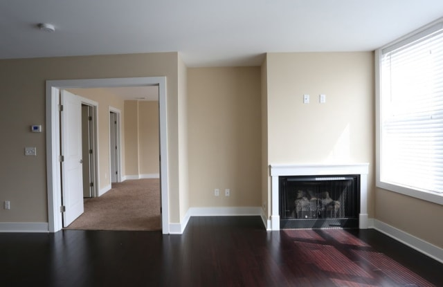 Residences of Creekside - 151 Mill St, Gahanna, OH 43230