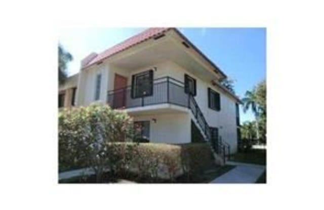 422 Lakeview Dr - 422 Lakeview Drive, Weston, FL 33326