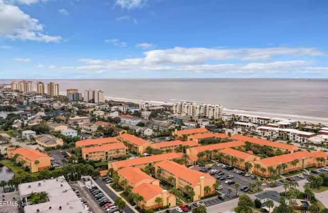104 LAGUNA VILLAS BLVD - 104 Laguna Villa Boulevard, Jacksonville Beach, FL 32250