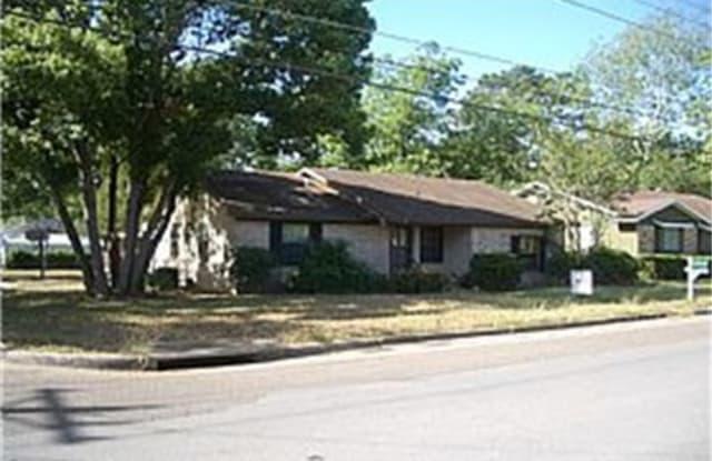 908 East Stone Street - 908 East Stone Street, Brenham, TX 77833