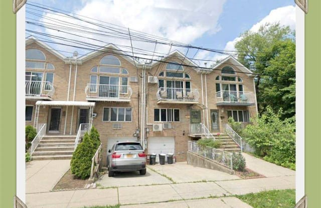 61-14 172 Street - 61-14 172nd Street, Queens, NY 11365