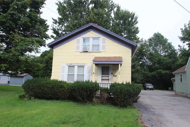 144 Oak Street - 144 Oak Street, Batavia, NY 14020
