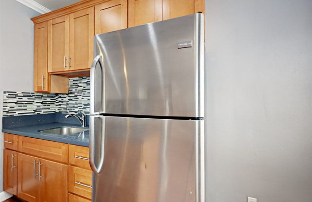 1829 6th Ave Apt 202 - 1829 6th Avenue, Oakland, CA 94606