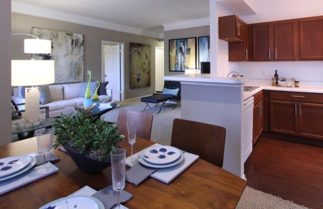 Village on the Parkway Apartments - 1333 Eldridge Pkwy, Houston, TX 77077