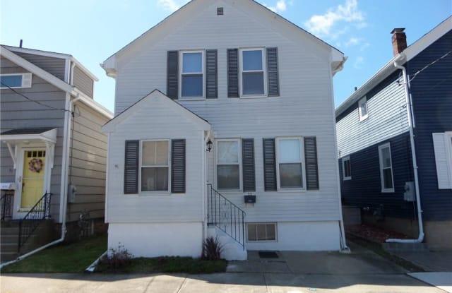 33 Slocum Street - 33 Slocum Street, Newport, RI 02840