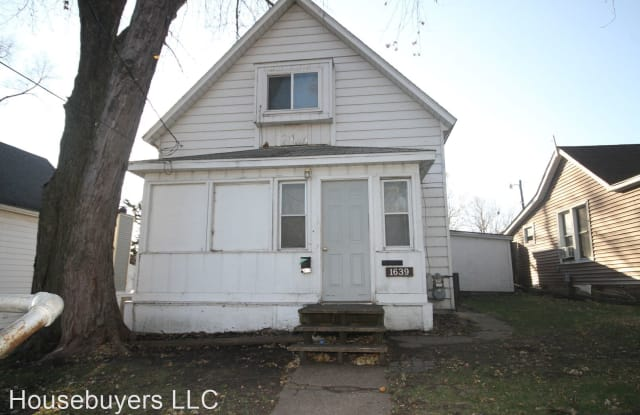 1639 E Grand Ave - 1639 East Grand Avenue, Des Moines, IA 50316