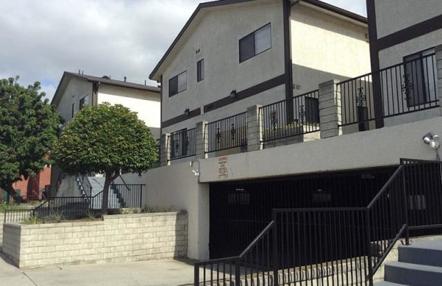 Galleria Townhomes - 4422 W 172nd St, Lawndale, CA 90260