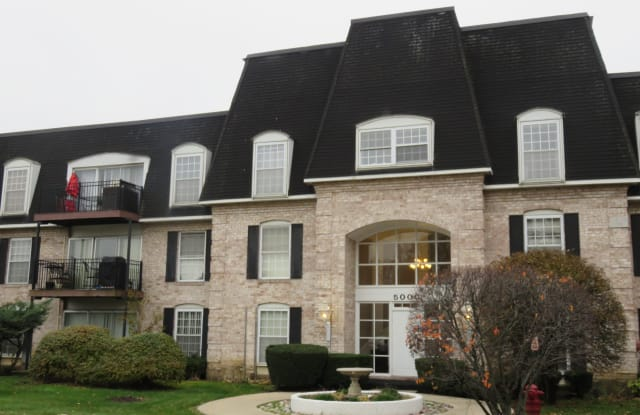 5000 Carriageway Dr Apt 108 - 5000 Carriageway Drive, Rolling Meadows, IL 60008