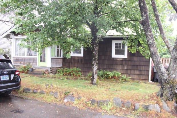 1312 N. Franklin St - 1312 North Franklin Street, Seaside, OR 97138