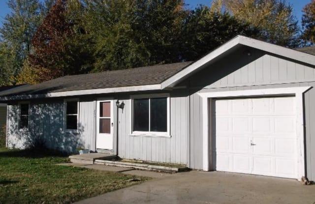 203 North Meadowview Avenue - 203 North Meadowview Avenue, Springfield, MO 65802