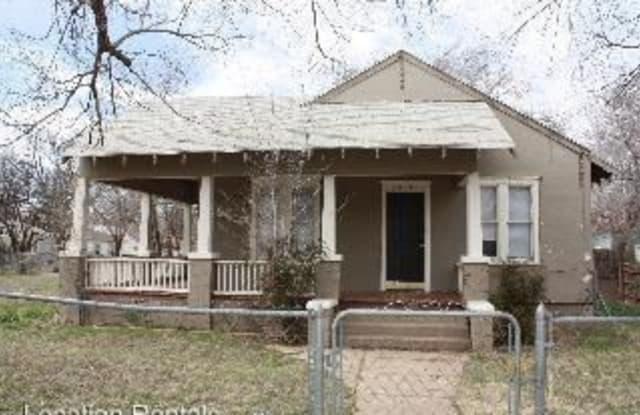 2014 Avenue V - 2014 Avenue v, Lubbock, TX 79411