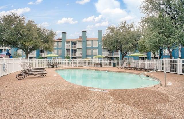 Plaza del Lago - 3330 Webb Chapel Ext, Dallas, TX 75220