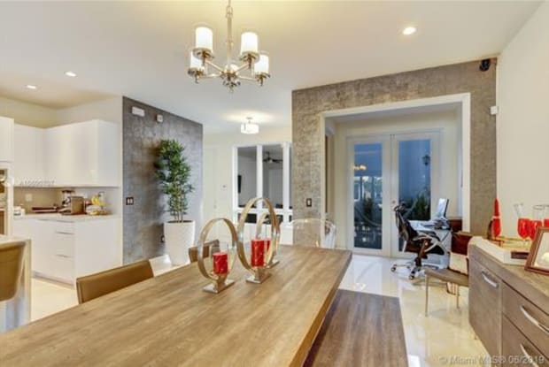 10550 Northwest 63rd Terrace - 10550 Northwest 63rd Terrace, Doral, FL 33178