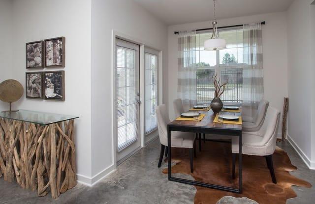 Robley Place Apartments - 1100 Robley Dr, Lafayette, LA 70503