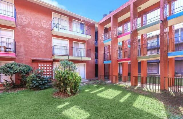 Villas Del Solamar - 8350 Park Ln, Dallas, TX 75231