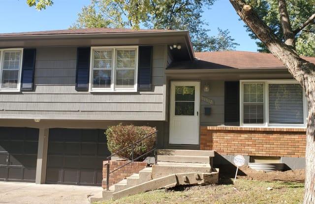 11912 Armitage Drive - 11912 Armitage Drive, Grandview, MO 64030