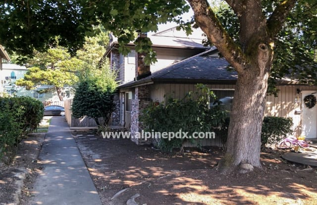 6080 South West Valley Avenue - 6080 SW Valley Ave, Beaverton, OR 97005