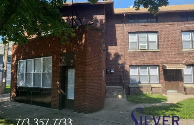 4952 W Berteau Ave 1 - 4952 West Berteau Avenue, Chicago, IL 60641
