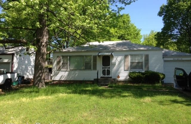 1525 Akron Dr. - 1525 Akron Drive, Bellefontaine Neighbors, MO 63137