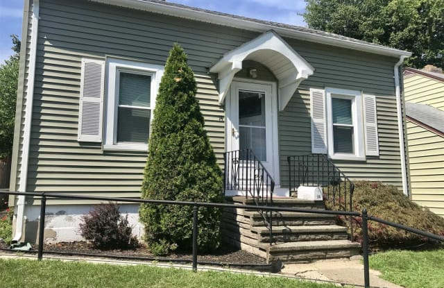 14 YOUNG ST - 14 Young St, Poughkeepsie, NY 12601