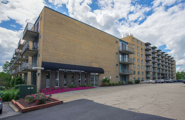 Solon Club Apartments - 26463 Solon Rd, Oakwood, OH 44146