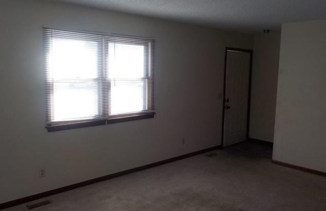 1010 Parkside Lane - 1010 Parkside Lane, Junction City, KS 66441