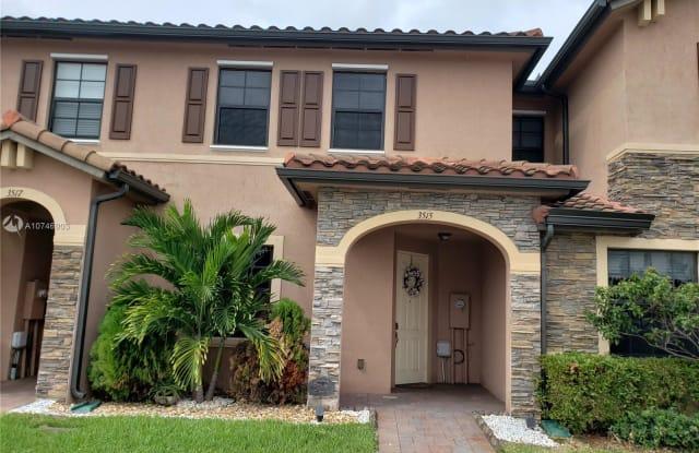 3515 W 89th Pl - 3515 West 89th Place, Hialeah, FL 33018
