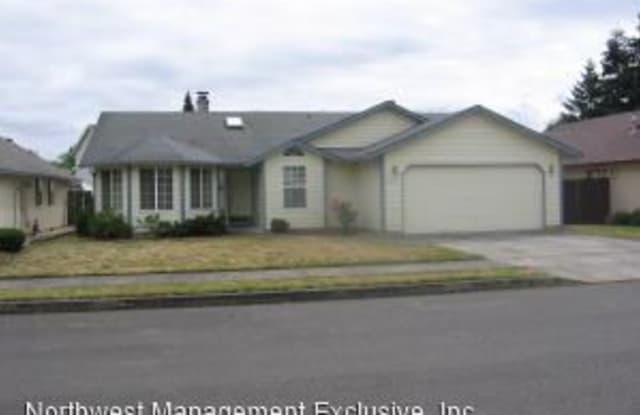 9915 NE 53rd Ave - 9915 Northeast 53rd Avenue, Walnut Grove, WA 98686
