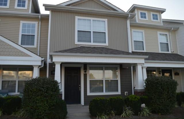 109 Alexander Blvd - 109 Alexander Boulevard, Clarksville, TN 37043