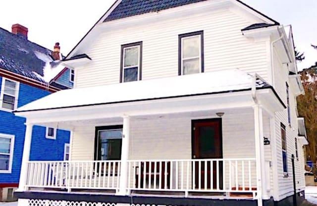 1418 Merrill St - 1418 Merrill Street, Kalamazoo, MI 49008
