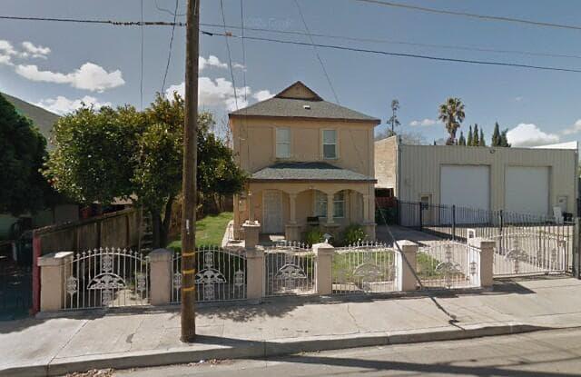 515 South Sacramento St - 515 South Sacramento Street, Lodi, CA 95240