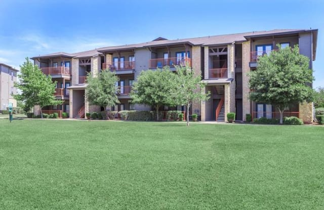 Vista at Plum Creek - 4925 Cromwell Dr, Kyle, TX 78640