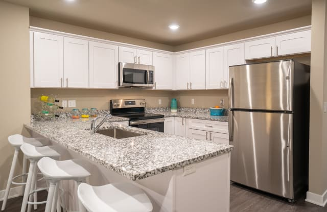 Sterling Landings Apartments - 34792 Oceanview Dr, Sterling Heights, MI 48312