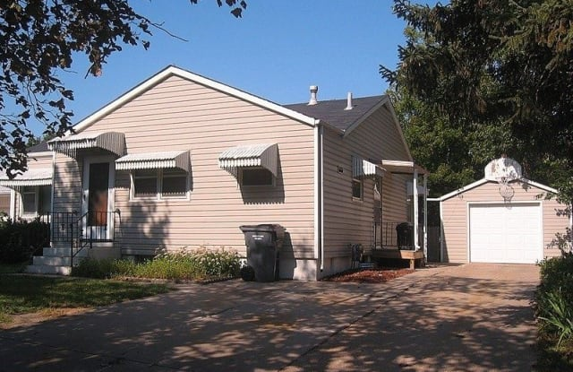 1617 South Cotner Boulevard Lincoln Ne Apartments For Rent
