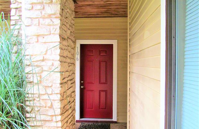 2140 Pearl #106 - 2140 Pearl St, Nacogdoches, TX 75965