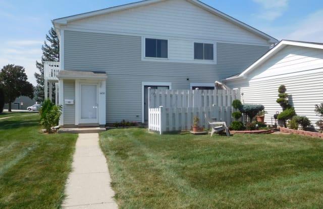 1635 Cornell Drive - 1635 Cornell Drive, Hoffman Estates, IL 60169