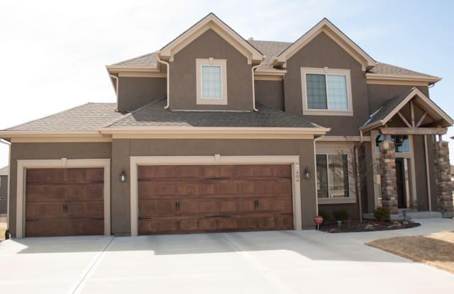 404 South West Eagles Ridge Drive - 404 SW Eagles Ridge Dr, Blue Springs, MO 64014
