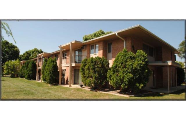 Cedar Glen Apartments - 9100 Old Cedar Ave S, Bloomington, MN 55425