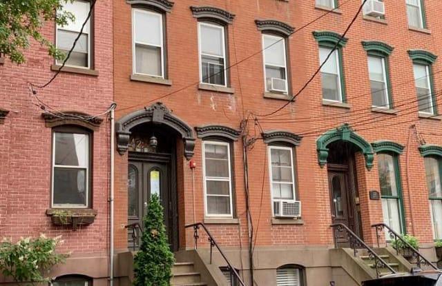 221 8TH ST - 221 8th Street, Jersey City, NJ 07302