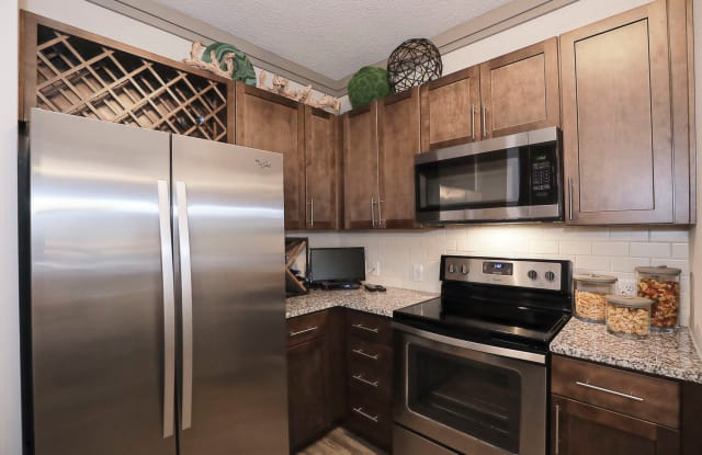 Cue Luxury Living - 13504 Citicards Way, Jacksonville, FL 32258