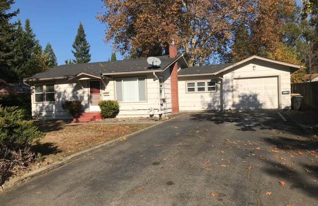412 NW Manzanita Ave Unit A - 412 Northwest Manzanita Avenue, Grants Pass, OR 97526