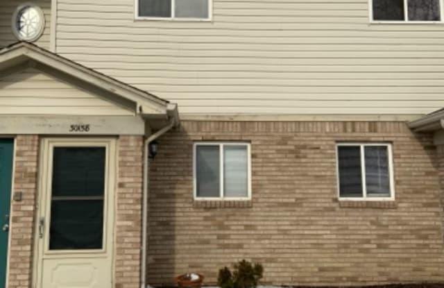 30158 Wedgewood Cir - 30158 Wedgewood Circle, Roseville, MI 48066