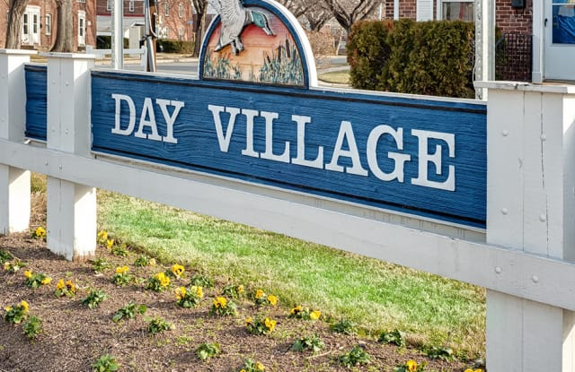 Day Village Townhomes - 511 N Avondale Rd, Dundalk, MD 21222