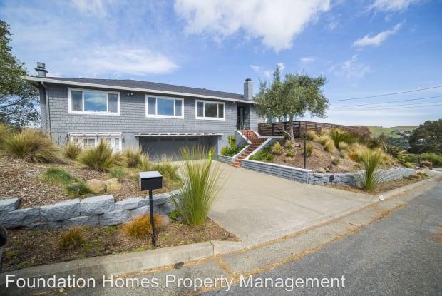 110 Inez Place - 110 Inez Place, Strawberry, CA 94941