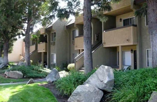 Scripps Poway Villas - 12425 Oak Knoll Rd, Poway, CA 92064