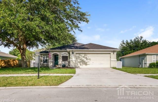 2434 Brian Lakes Drive E - 2434 Brian Lakes Drive, Jacksonville, FL 32221