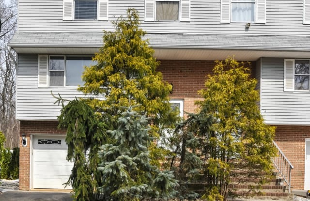 20 Dortmunder Drive - 20 Dortmunder Drive, Monmouth County, NJ 07726