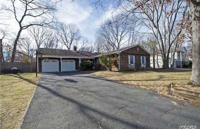 38 Glenridge Ave - 38 Glenridge Avenue, Stony Brook, NY 11790